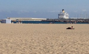 valencia beach and port